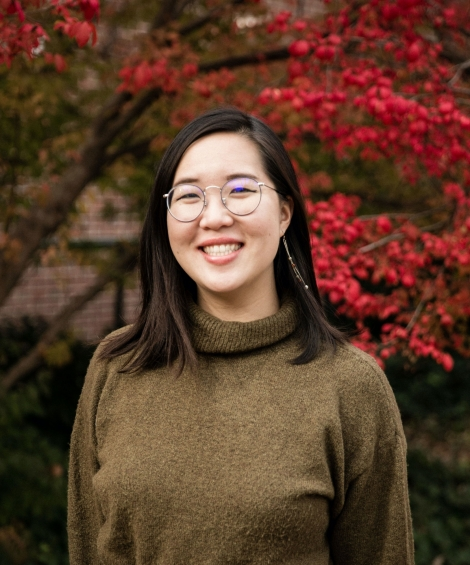 Photo of Carolyn Lou